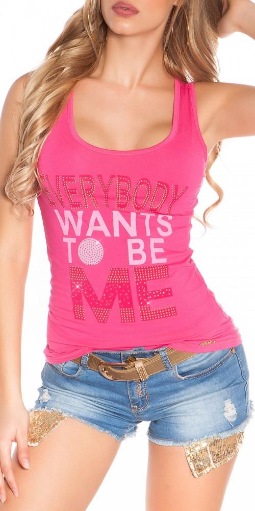 """Tanktop von KouCla mit Schrift """"Everybody wants to be me"""" in pink"""